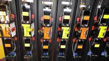 Columnas de infrarrojas easypack con barreras de la marca Takex